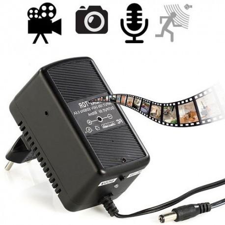 HD Spionagekamera versteckt im funktionstüchtigen Universal-Netzteil. Betriebsstrom über 220-V Stromnetz, kein Akku notwendig !